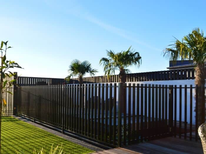 DuraPanel Axis Aluminium Fences
