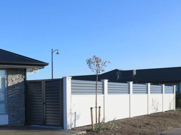 Elitewall fences with Glass